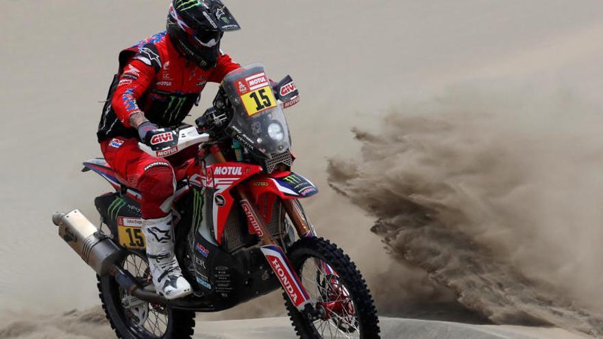 Brabec arrebata a Quintanilla el liderato en motos al ganar la cuarta etapa