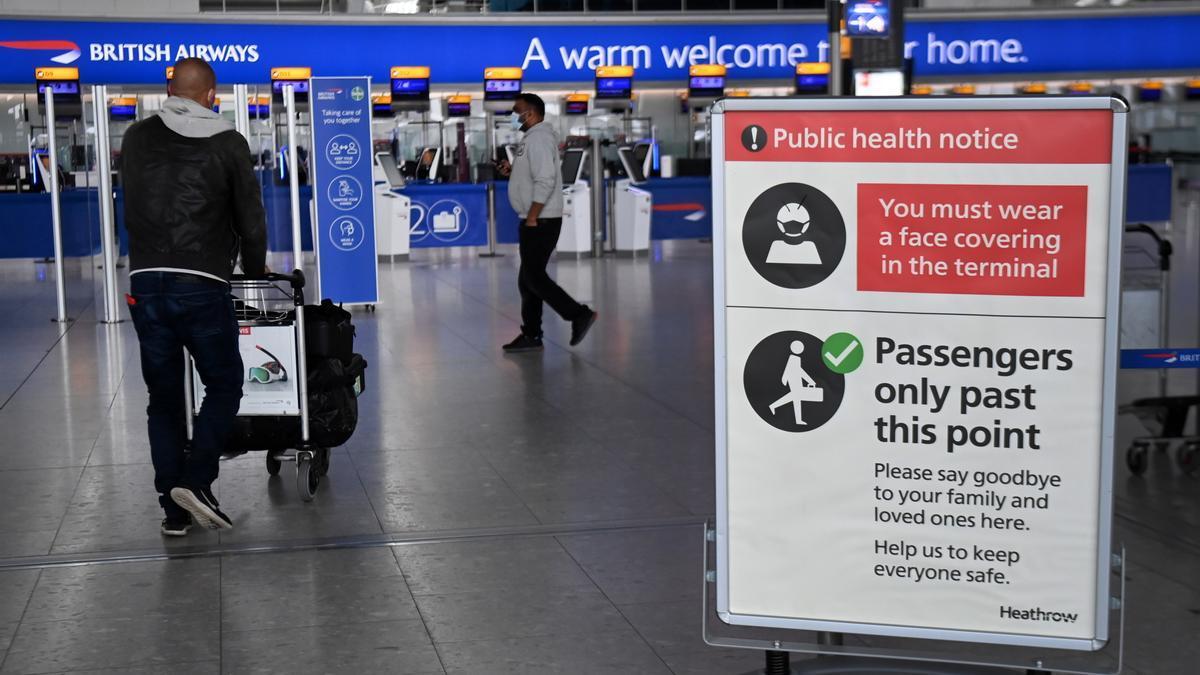 Inglaterra eliminará la cuarentena para viajeros vacunados de la UE y EEUU.