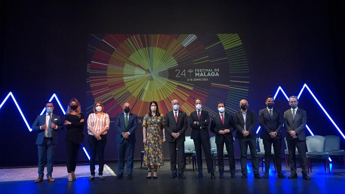 Foto de familia de organizadores y patrocinadores del Festival de Málaga.