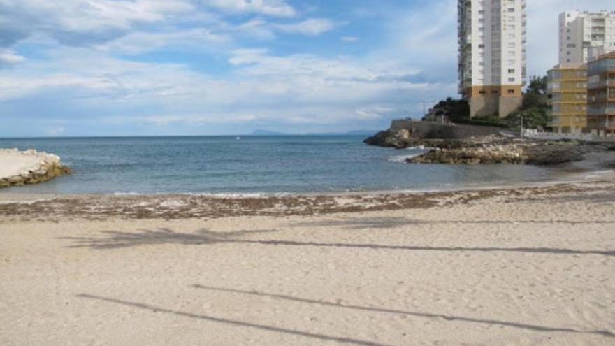 Cierran la playa del Faro de Cullera por la presencia de bacterias fecales