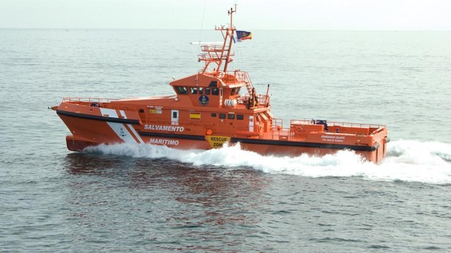 Rescatan una embarcación con 58 migrantes al sur de Gran Canaria