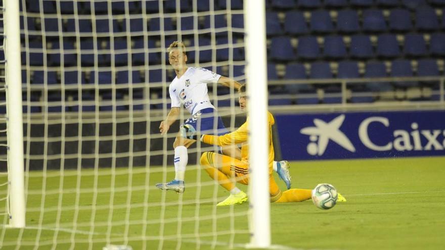 El Tenerife aprueba en el último test