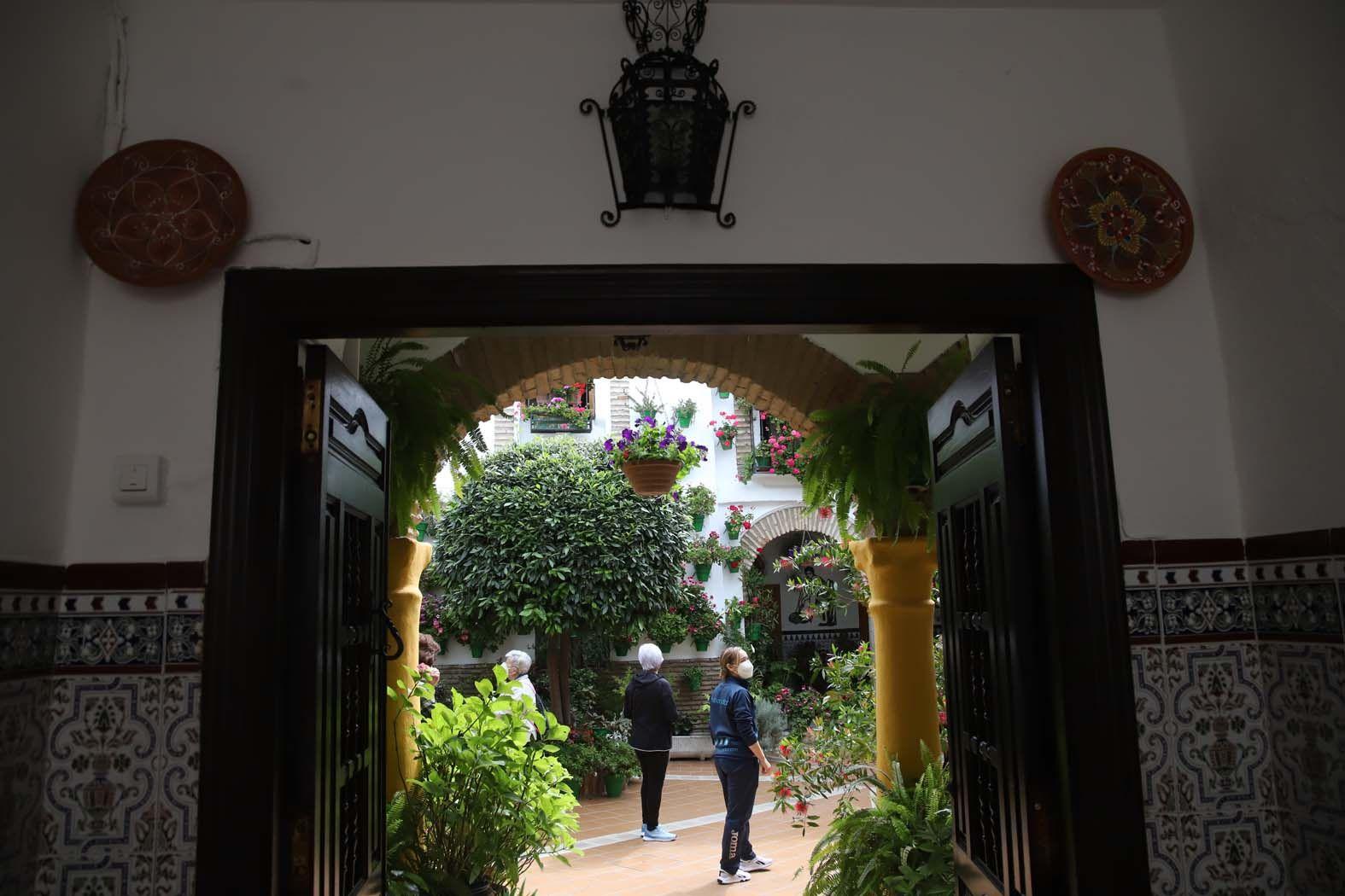 Arranca el concurso de patios del centenario
