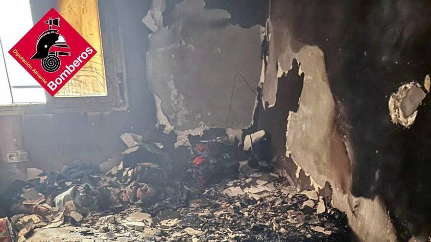 Un incendio en un edificio de Callosa de Segura causa tres heridos
