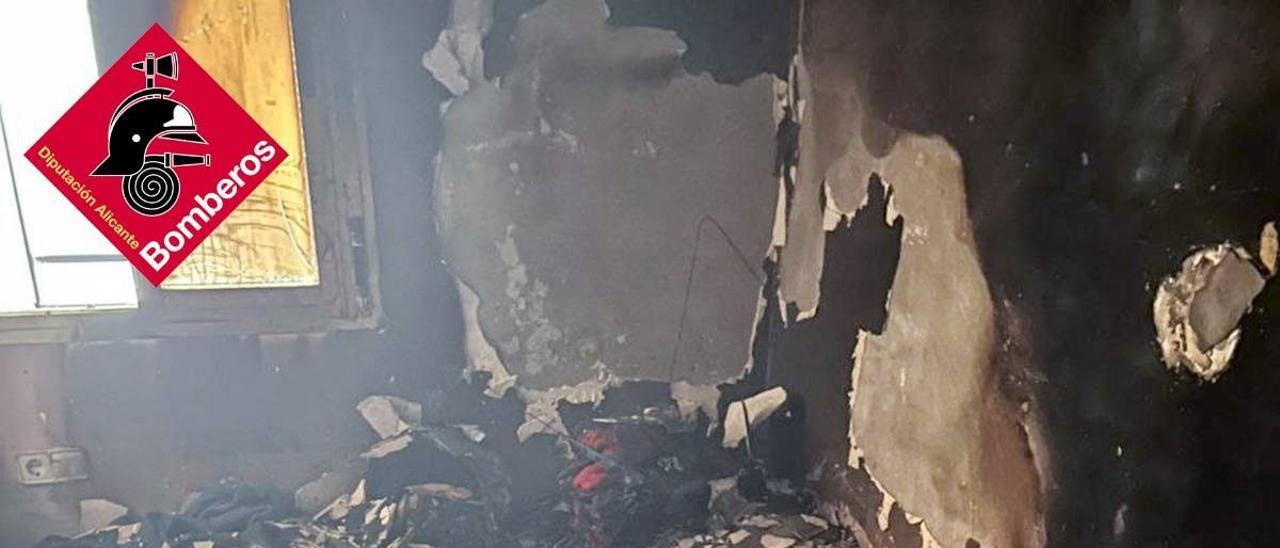 Imagen del incendio causado en el dormitorio principal