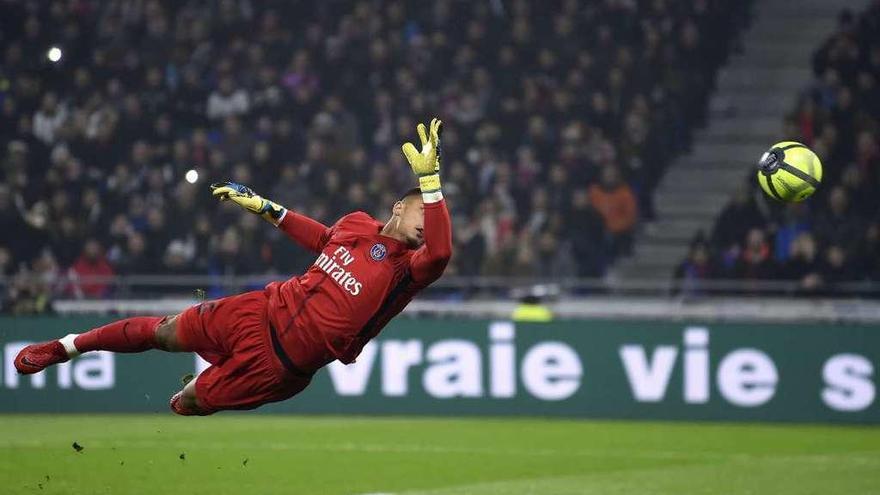 Segunda derrota del PSG, que perdió a Alves por expulsión