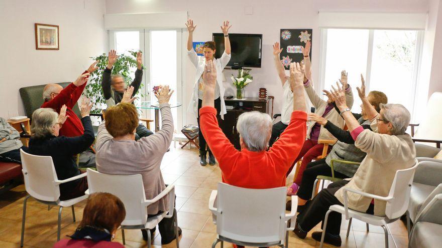 """""""¿Volveremos a poder jugar al parchís?"""": acaba el aislamiento en las residencias de mayores de Asturias"""