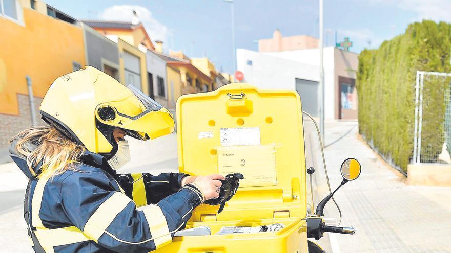 300.000 habitantes de la Región podrán pagar impuestos a través de Correos