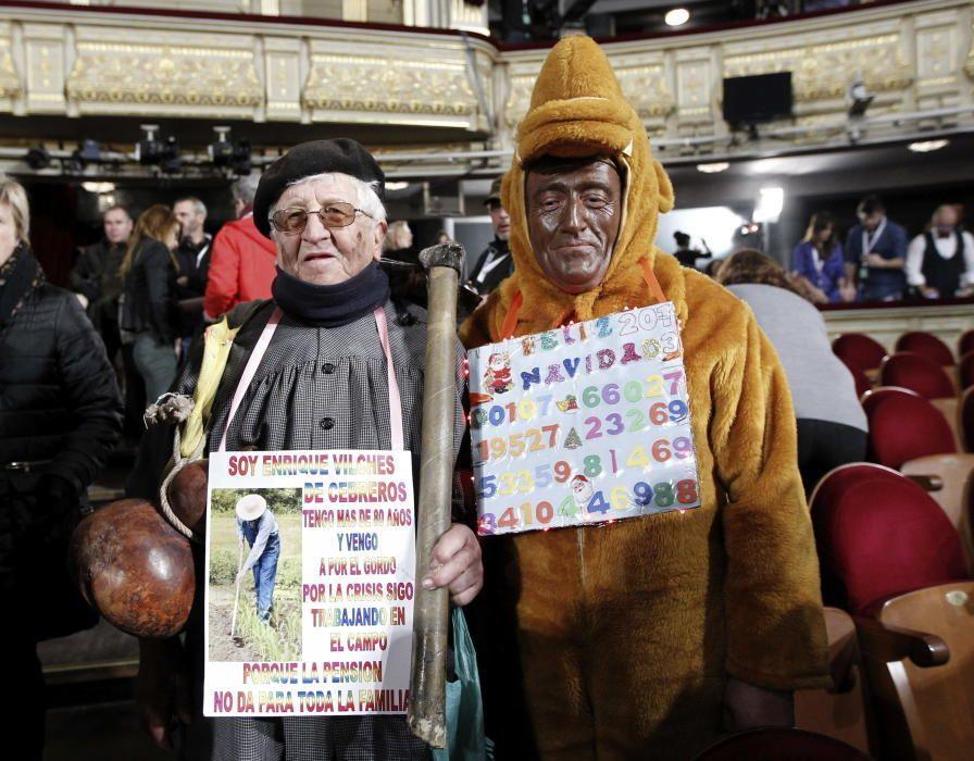 Los disfraces más originales de la Lotería de Navi