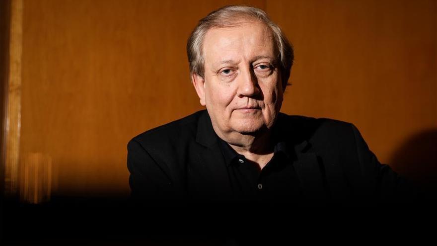 Wim Mertens: «Limitarnos a reproducir los clásicos es autodestructivo»