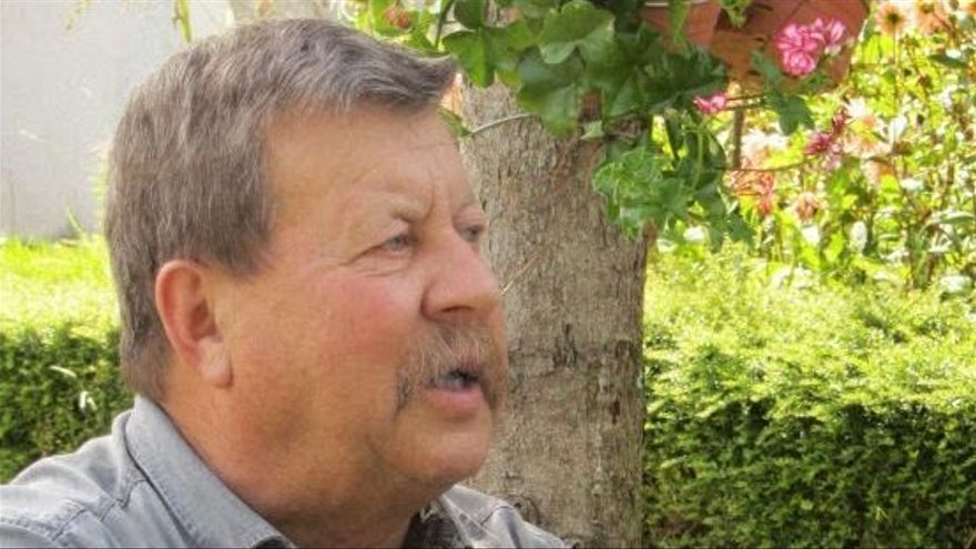 Elías Castro, el edil que ayudó a salvar un árbol