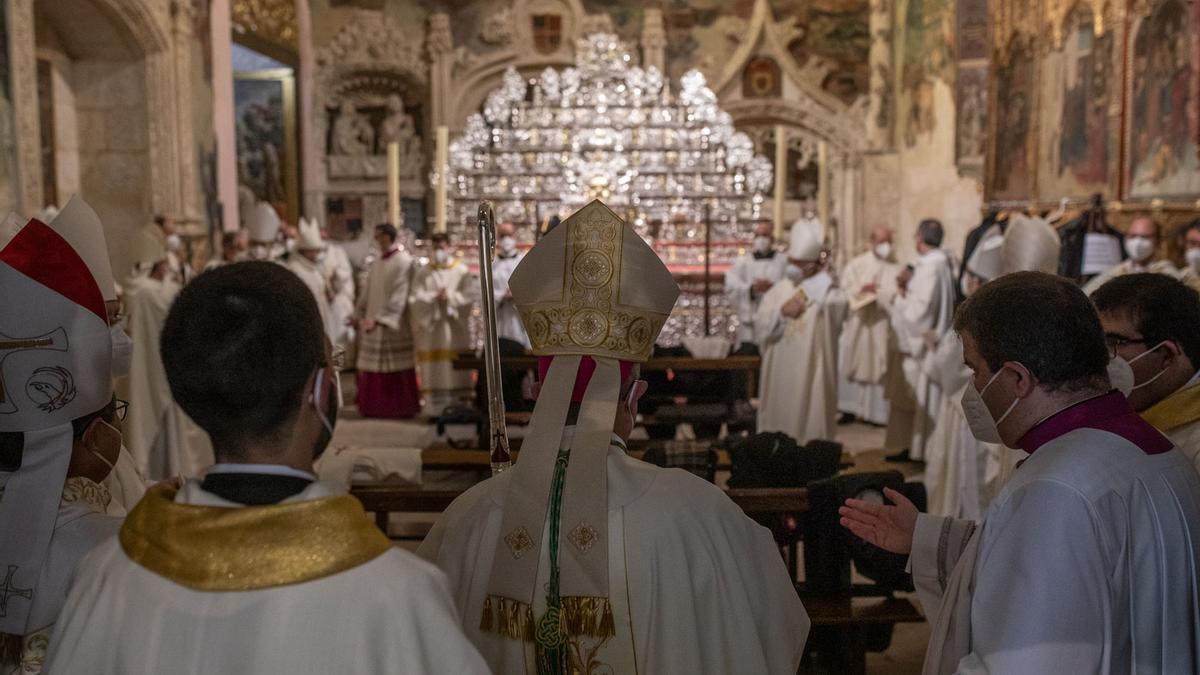 Ordenación del nuevo obispo de Zamora, Fernando Valera, en una imagen de archivo.