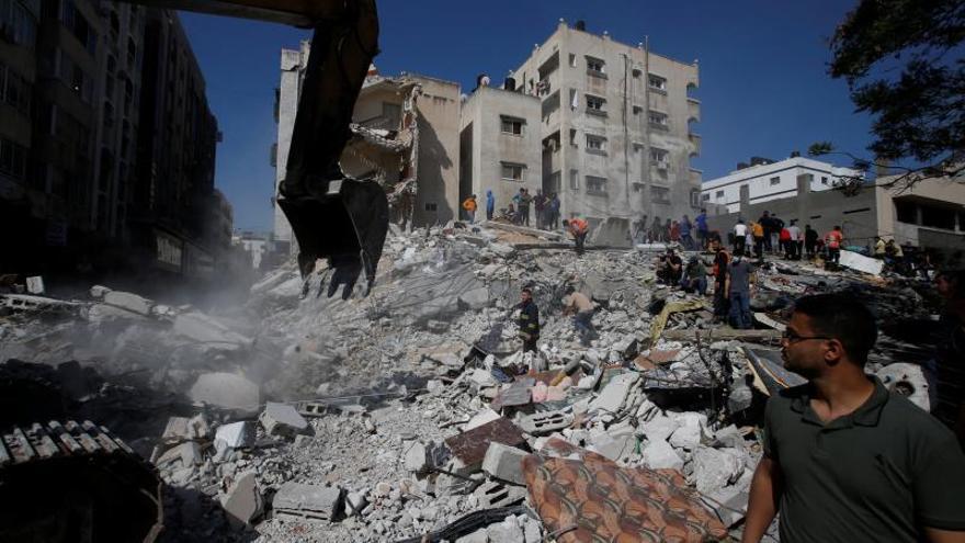 Almenys 42 morts a Gaza en una nova nit de bombardejos