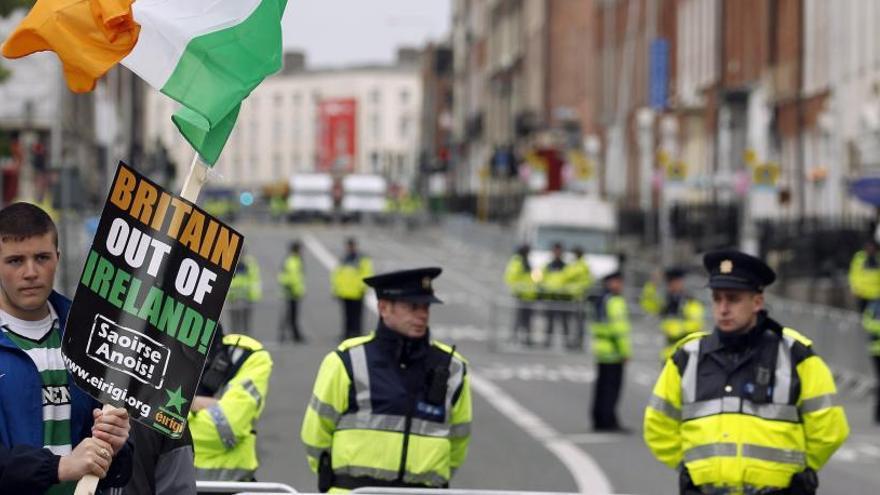 Hallan una bomba del IRA lista para estallar el día del Brexit
