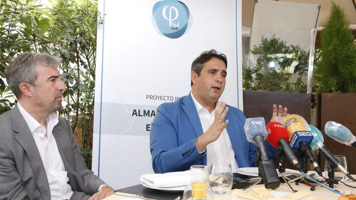 El CEO de Phi4tech Mario Celdrán, durante la rueda de prensa de hoy en Cáceres.