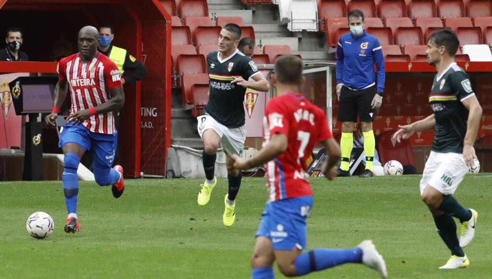 El partido entre el Sporting y el Logroñés, en imágenes