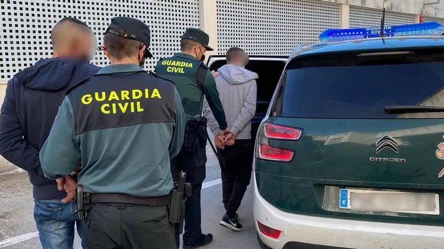 Guardia Civil erwischt Hausbesetzer auf frischer Tat
