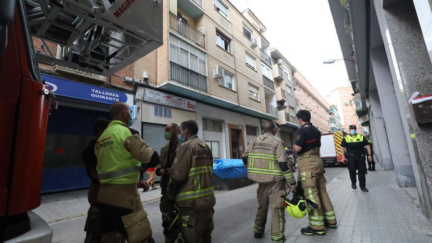 Varios intoxicados por humo en Zaragoza al arder un patinete
