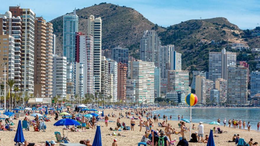 La ocupación hotelera de Benidorm y Costa Blanca baja seis puntos en una semana