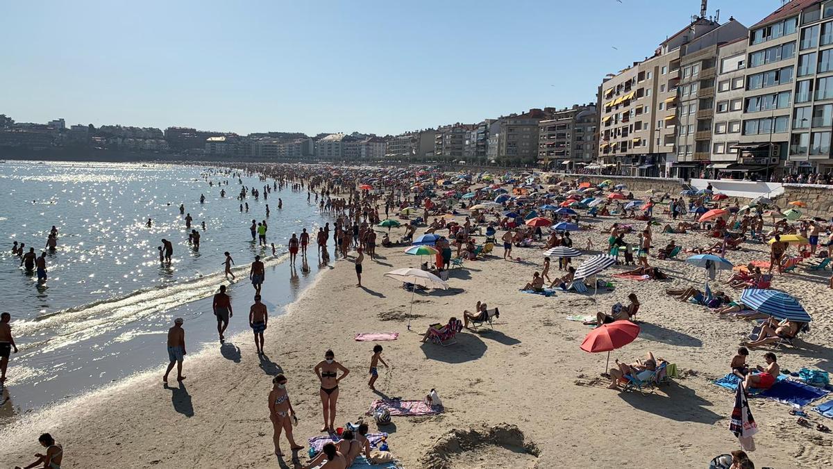 Playa de Silgar en Sanxenxo durante la ola de calor
