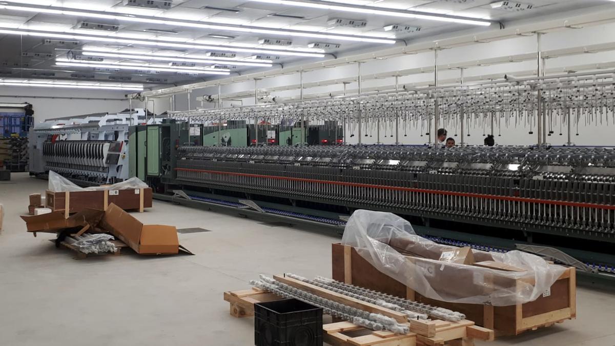 L'interior de la nau reconstruïda de Tensión Textil de Ripol
