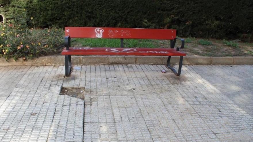 Unidas Podemos denuncia el mal estado de la barriada Cuatro Santos