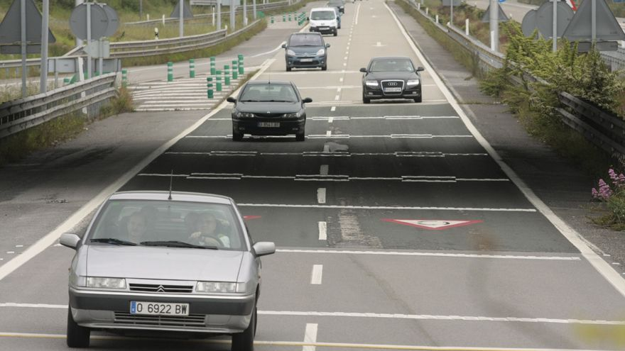 Cortes de tráfico en la salida de la ciudad por el autopista