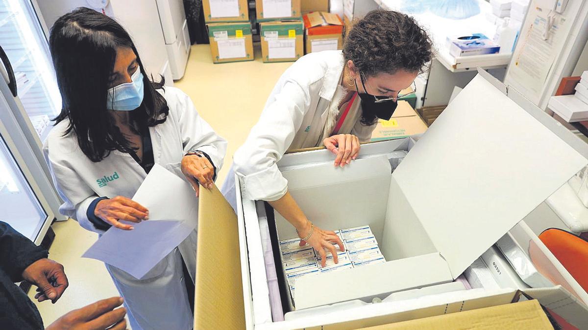 En Aragón ya hay más personas con las dos dosis que contagiados