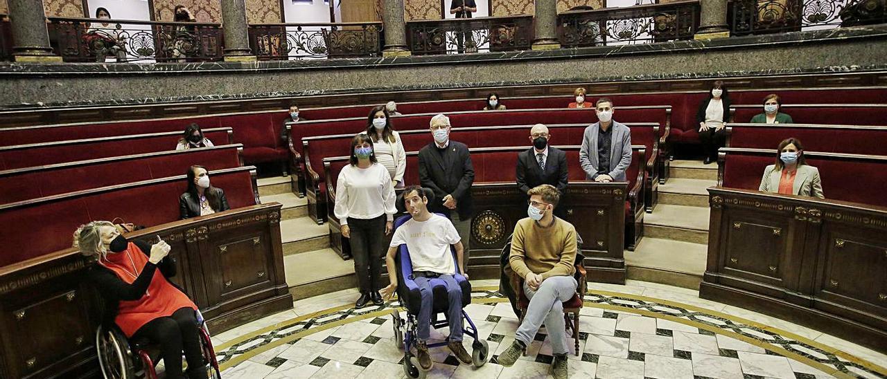 Joan Ribó participó ayer en un acto del día de las personas con discapacidad. | LEVANTE-EMV