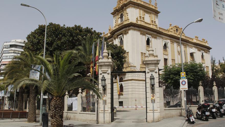El pleno de la Diputación aprueba reclamar al Consell más fondos de la AVI para Alicante con el rechazo de PSOE y Compromís