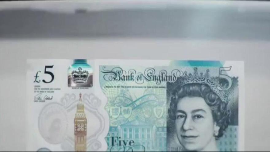 Reino Unido estrena el billete de plástico de 5 libras