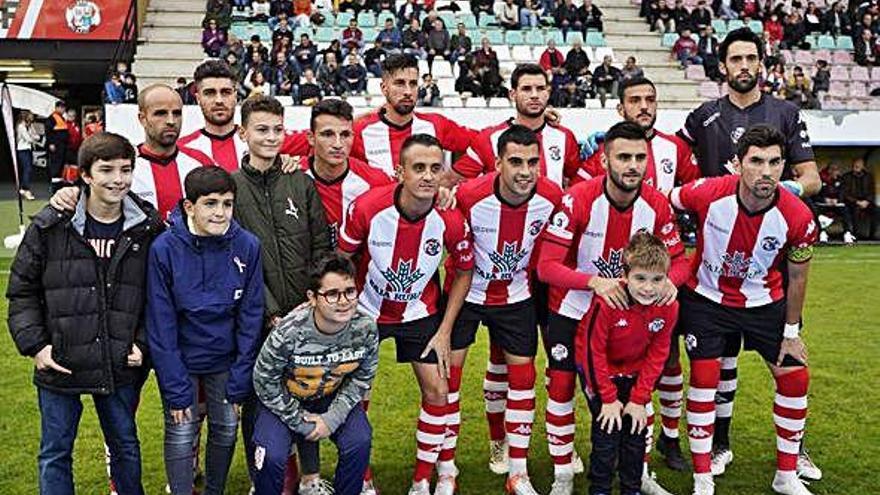 El equipo rojiblanco, segundo clasificado en la general de Tercera