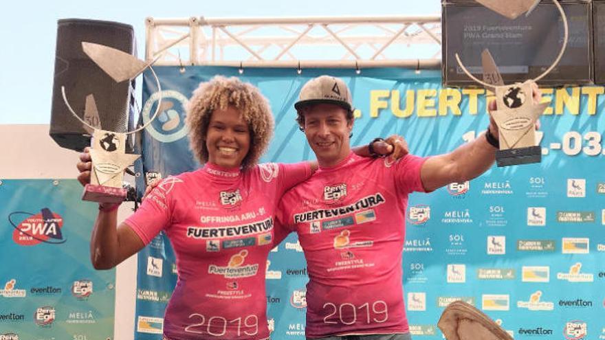 Quita, campeona del estilo libre de windsurf en Fuerteventura