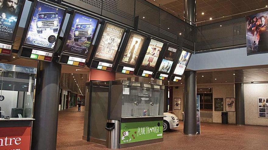 Multicinemes Bages Centre obre demà amb 8 de les 12 sales en funcionament