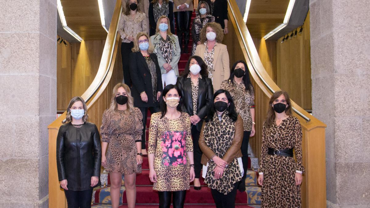 Las parlamentarias gallegas del PPdeG, con prendas con estampado de leopardo.