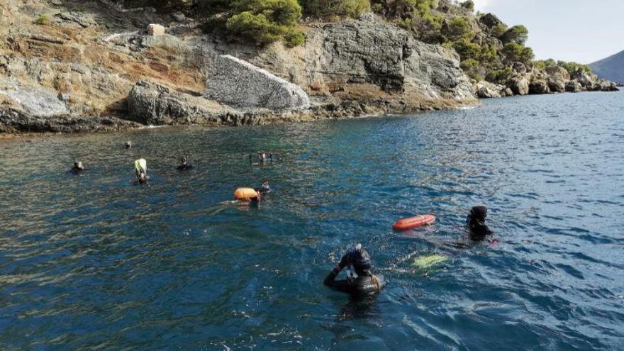 La Càtedra Oceans demostra que bussejar millora la salut mental de les persones