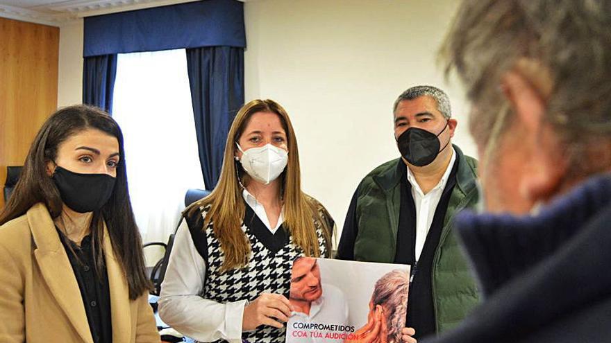 El Banco Médico Farmacéutico de Galicia dona audífonos a personas sin recursos