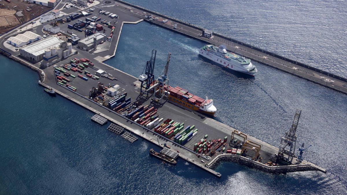 Muelle de Los Mármoles, en el Puerto de Arrecife