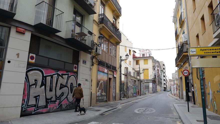Las calles de Ciutat Vella cerradas al tráfico rodado desde abril