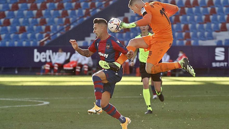 Sergio León respira y cuenta tres