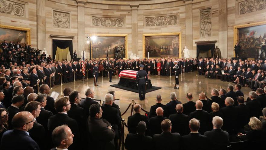 El expresidente George H.W. Bush, homenajeado en el Capitolio