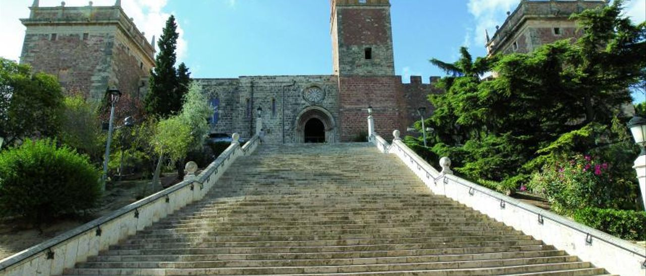 Escalinata de acceso al monasterio de El Puig.
