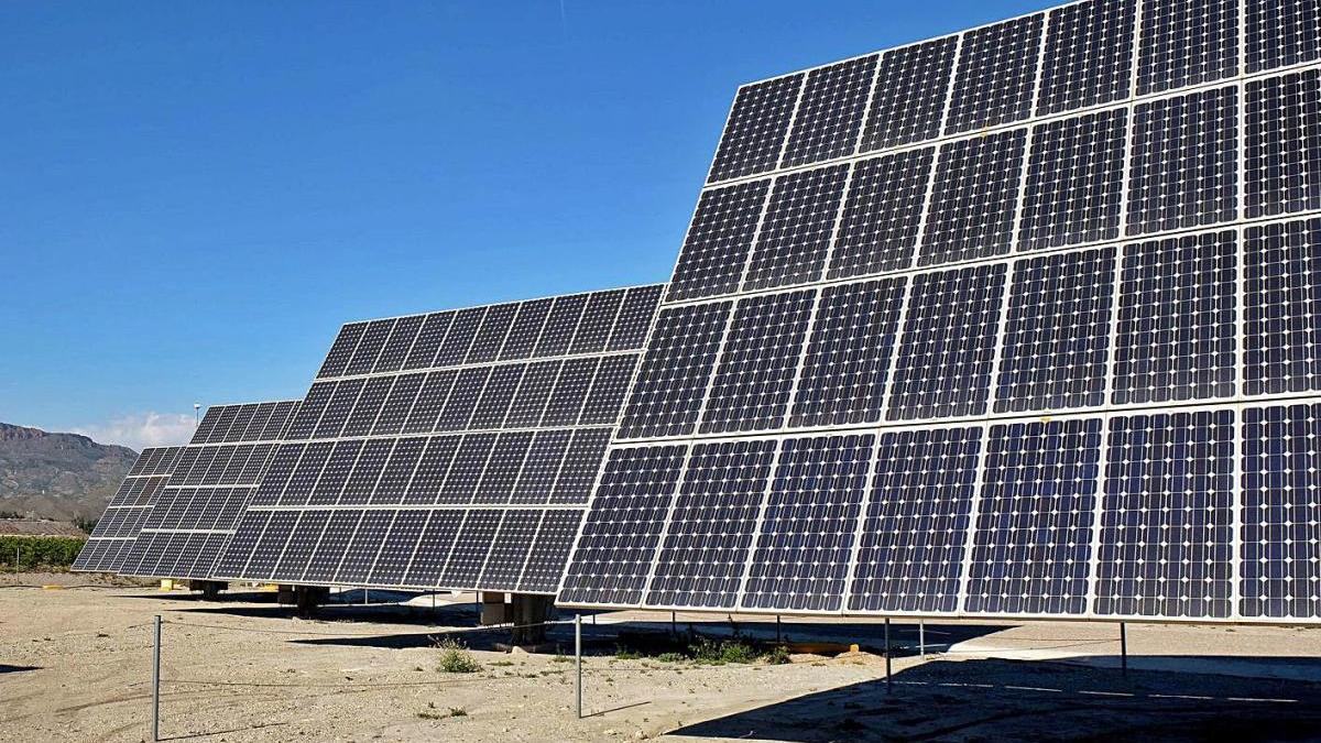Los campos solares situados cerca de la ciudad de Lorca.