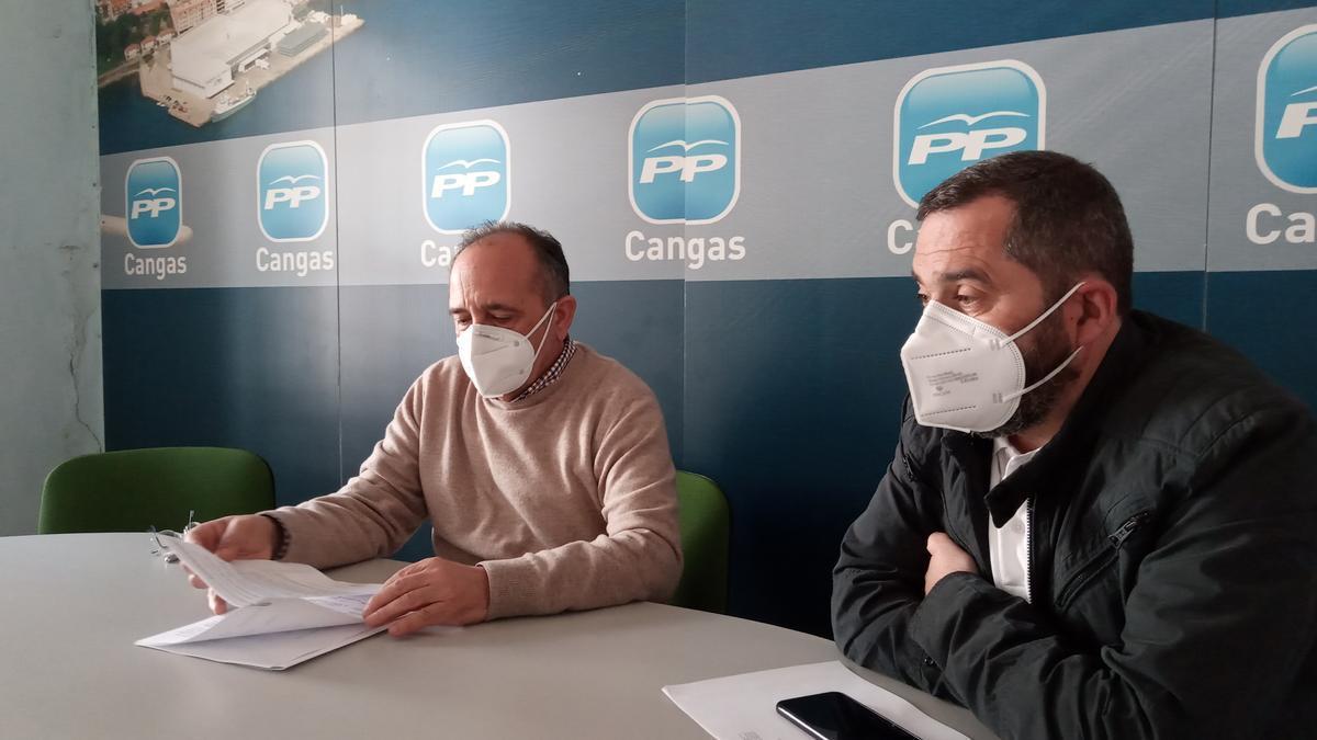 José Enrique Sotelo y Pío Millán, hoy en la sede del PP.