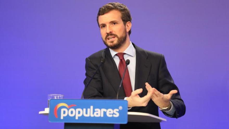 Casado acusa a Sánchez de intervenir por partidismo