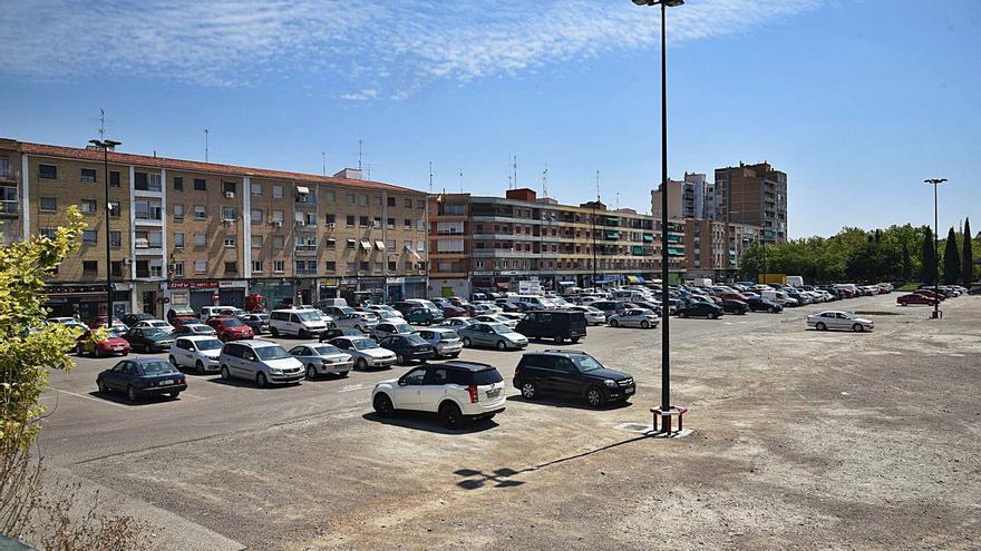 Urbanismo estudia cómo crear otro párking en la calle Embarcadero de Zaragoza