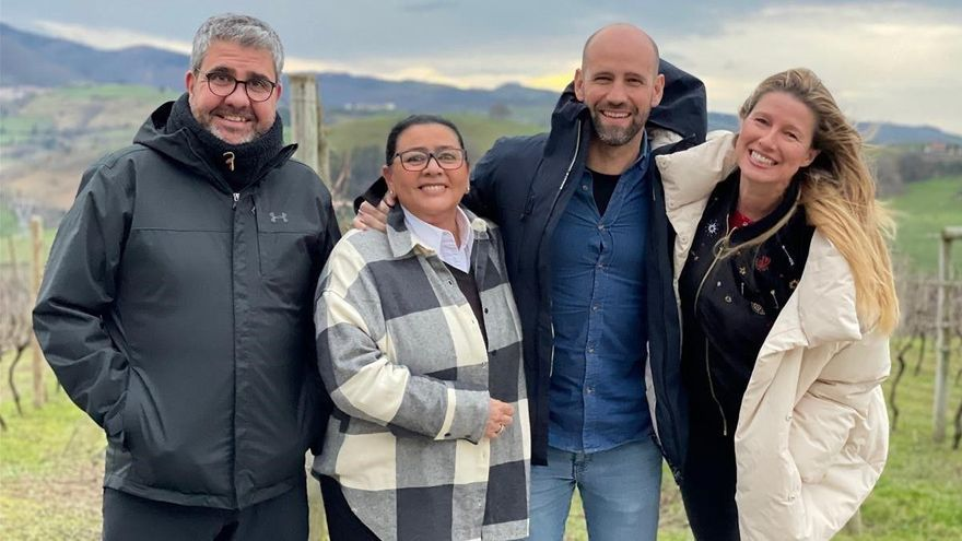 TVE-1 pone a los famosos a viajar en 'Dos parejas y un destino'