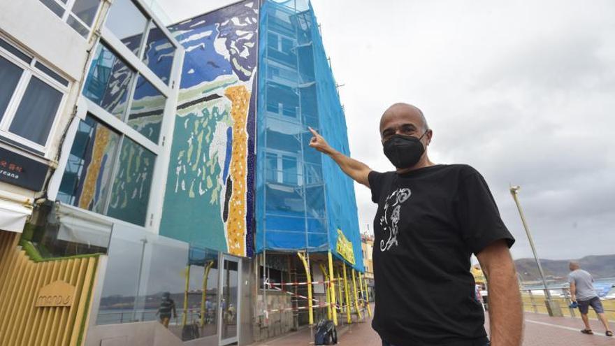 Peligra un mural de García Álvarez en Las Canteras