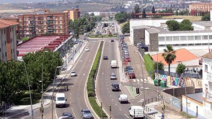 El consistorio estudia instalar tres radares en la avenida Reina Sofía