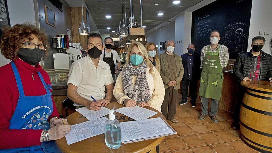 Los vecinos de Pelayo han reunido ya quinientas firmas contra el Chinatown